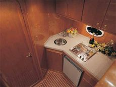 Viki 32 Fly Galley Single Cabin