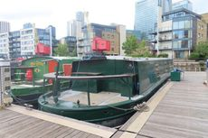 Lovely 55ft widebeam on residential mooring in canary wharf