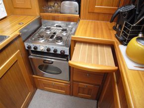 Nord West 410 with BJ Marine - galley