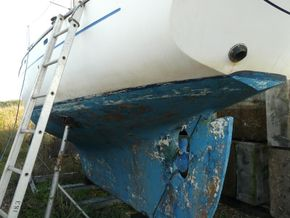 PORT SIDE HULL