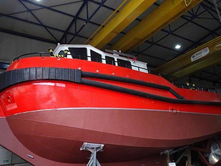 14.95 Meter Tugboat with deck crane