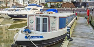 Lovely houseboat for sale