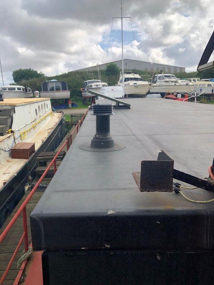 57ft x 14ft 2ins Converted Barge - needs finishing