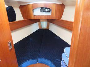 Jeanneau Sun Odyssey 32 AFT CABIN - Forward Cabin