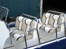 Cobra Nautique 8.6m Seating