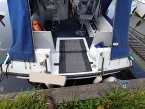 Seamaster 813 double berth layout for a couple - Stern