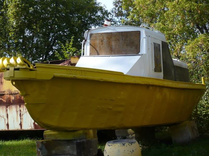 33' x 10' Steel Workboat With Winch