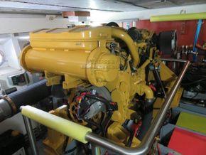 Cantieri navali Chiavari 22 Metre  - Engine