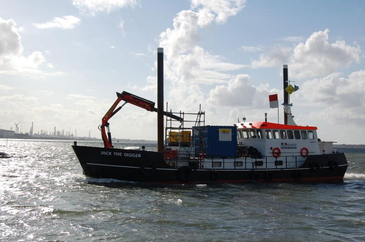 Multipurpose Workboat Jack the Digger
