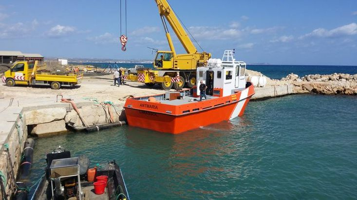 14m Steel new build workboat - pictures of sistership