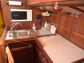 Wooden  Custom Wood-epoxy classic cruising sailboat - Galley