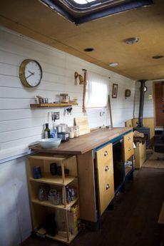 Charming 57ft liveaboard trad narrowboat