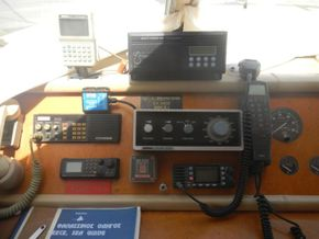 Versil Craft 26 Aft Cabin, Flybridge, 2 separate crew cabins - Cockpit Instruments