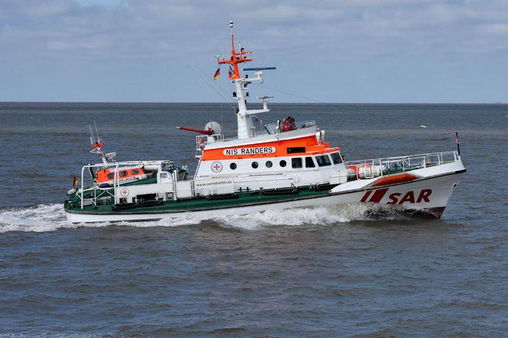 German rescue cruiser Nis Rander, 3 vessels en bloc