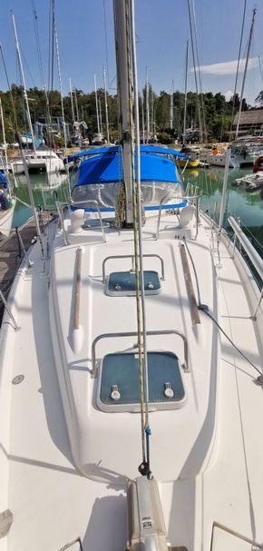 40 ft Center Cockpit Sailing Yacht for Sale in Langkawi