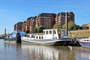 Beautiful two bedroom houseboat for sale, SW6