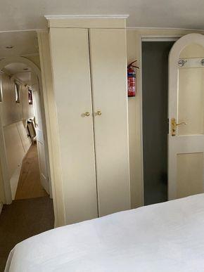 Storage in en-suite cabin