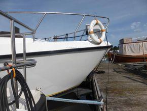 Dutch Steel Motor Cruiser JM YACHT - Bow