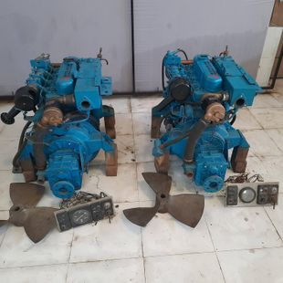 Mitsubishi S4-E marine Inboard Engine Pair of 70 hp each low hour used