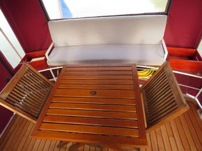 Dutch Steel Cruiser Canal and river cruiser - Cockpit table