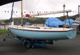 Classic E.O.D. Morgan Giles 18ft dinghy
