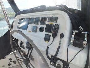 Sunreef 60 Loft  - Fly Bridge Instruments