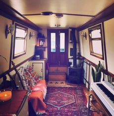 Beautiful off-grid Liveaboard 55 ft Semi-trad Narrowboat