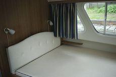 Sheerline 1070 Centre Cockpit Cabin