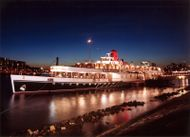 Paddlesteamer Restaurant Passengerboat