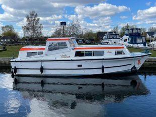 Aston Boats 30