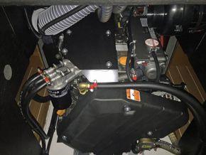 Jeanneau Sun Odyssey 449  - Engine