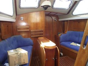 Oyster  406-16 Deck Saloon Version - Saloon