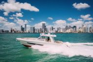 2018 Boston Whaler Outrage