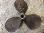 "RH, 32″ x ?"", 3 Blade Steel Propeller, 2 1/2″ Bore"