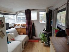 Houseboat - 39ft **OPEN TO NEGOTIATION** Survey Recently Completed