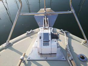 Coronet 32 Oceanfarer  - Windlass