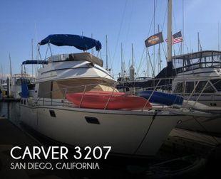 1984 Carver 3207 Aft Cabin