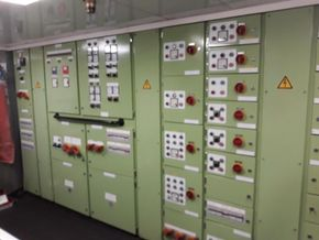 Einar distribution panel