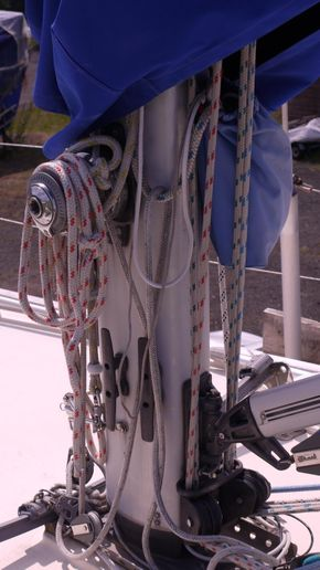 mastfoot and lines /halyard winches