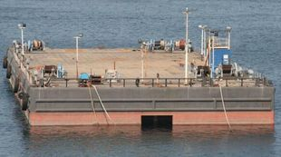 BALLASTABLE DECK BARGE