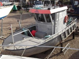 Aluminium Workboat 30 (available)