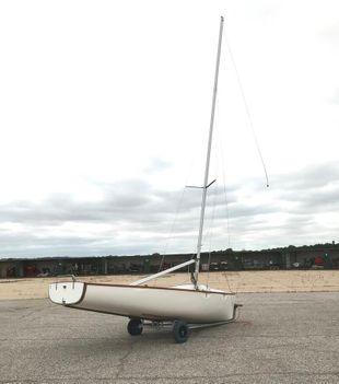 Bosun 14ft GRP sailing Dinghy