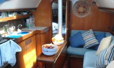 Beneteau Oceanis 320 yacht share: sailing Ionian Greece