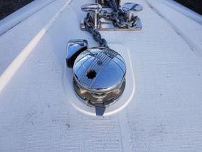 Broom 36 Aft cabin - Windlass