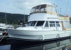 Mainship 390 Flybridge Trawler
