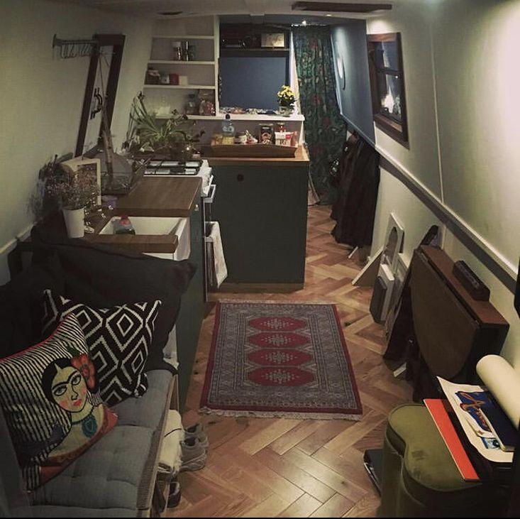 40ft Cosy Narrow Houseboat