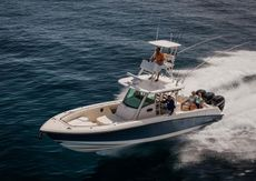 Boston Whaler - 350 Outrage
