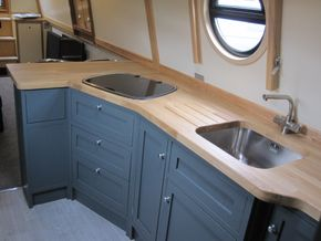 galley Thetford Argent with lid R/H controls.