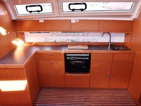 Bavaria 46 Cruiser  - Galley