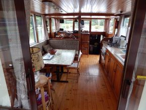 Barge Wide Beam live aboard barge  - Galley